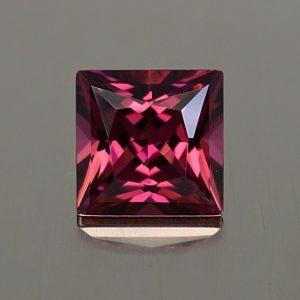Rhodolite_princess_6.3mm_1.57cts_rh308