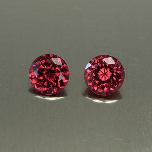 Rhodolite_round_pair_6.5mm_2.50cts_rh312