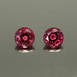 Rhodolite_round_pair_6.5mm_2.81cts_rh311