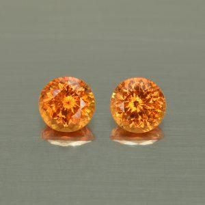Spessartite_round_pair_6.0mm_2.49cts_N_sg147